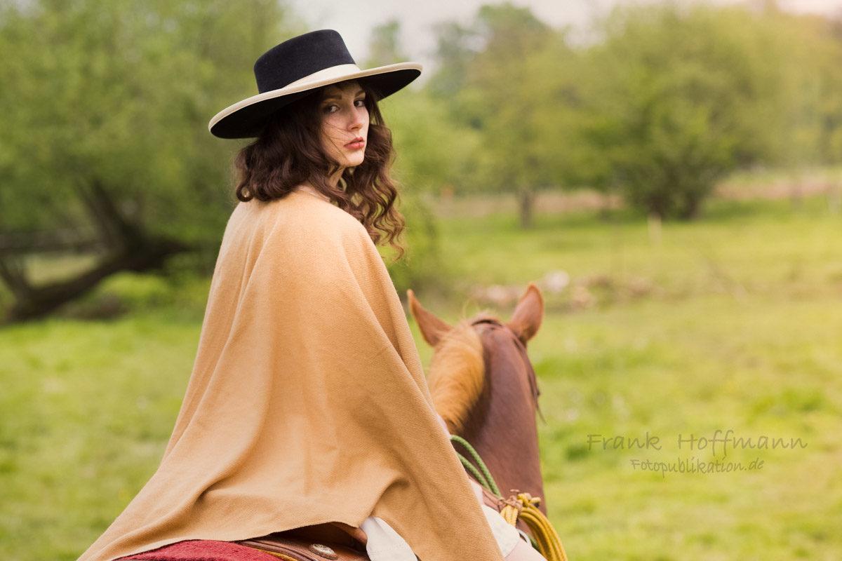 Carolin Western Style Porträt shooting mit Frank Hoffmann.