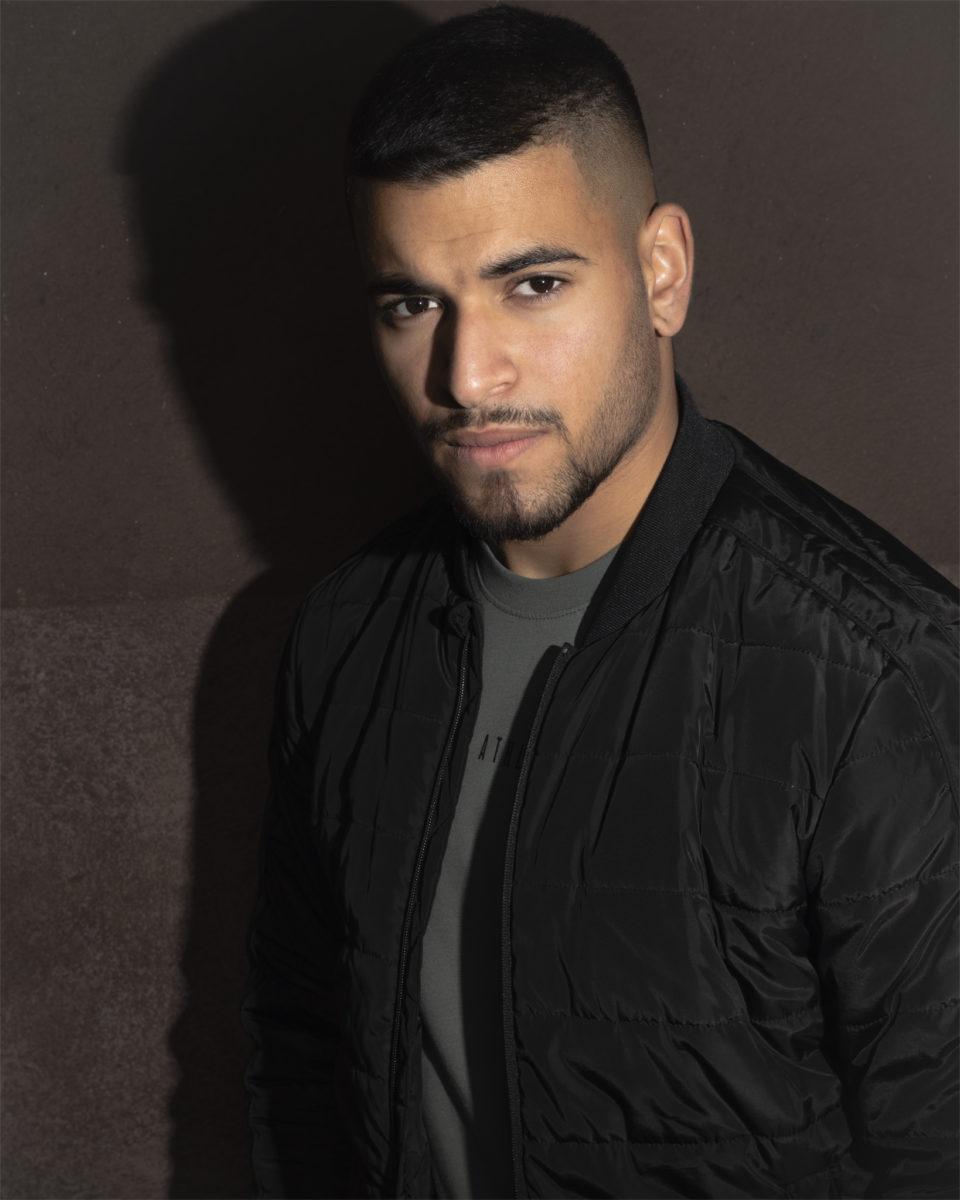 Male Portrait Serie von Diego. Absolut Cool und Sehenswert. Schaut rein. #cinemaposter #bildstrecke #darkstyle #gangstastyle #shadowlight